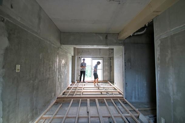 ミーティングスペースに改修する予定の部屋