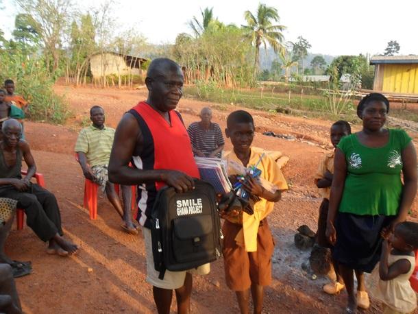 村長自ら、児童労働をなくす活動の先頭に立っています