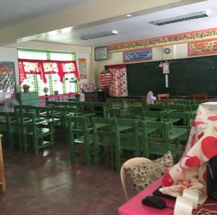 女性たちの主体的な活動によって、村の小学校に文房具がもたらされました!