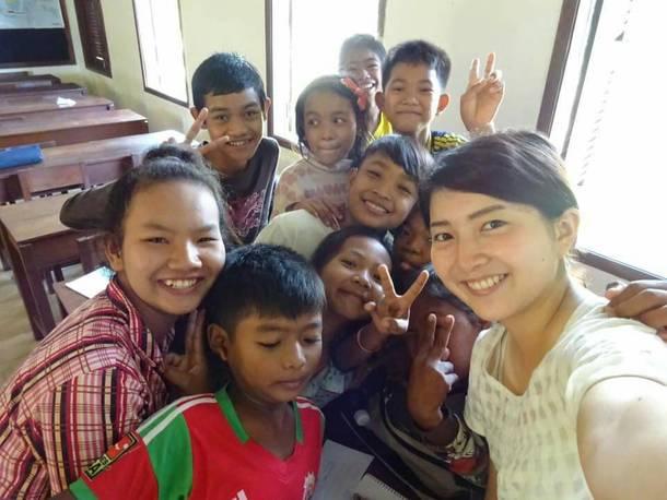 バイヨン中学校の生徒一緒に。