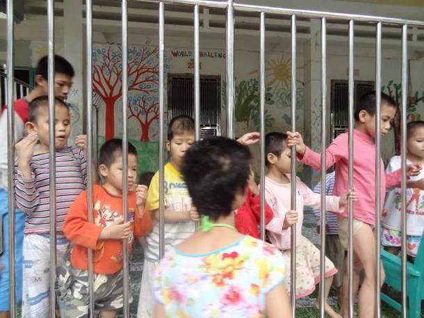 ハノイの障害孤児院