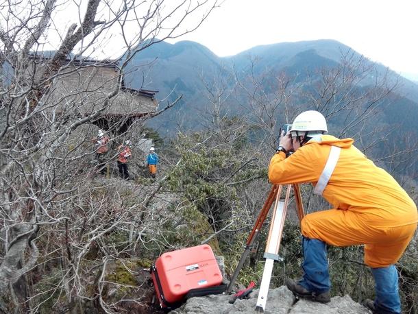 三徳山測量作業