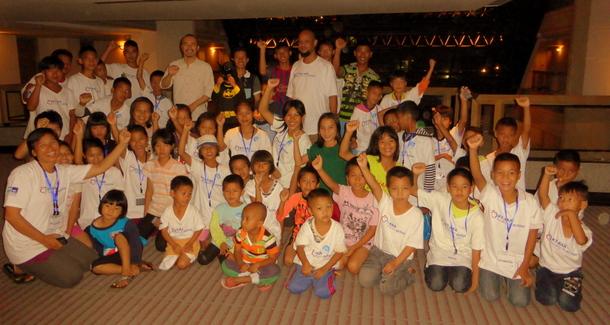 タイ北部チェンライから首都バンコクへの遠足 難民たちとのファーストコンタクト