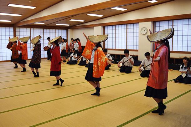 八尾高校 練習風景
