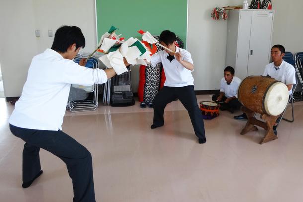 邇摩高校 練習風景