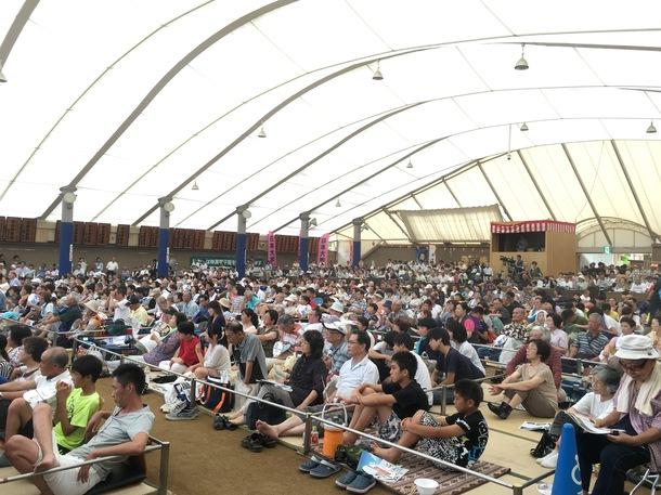 神楽ドーム観客の様子
