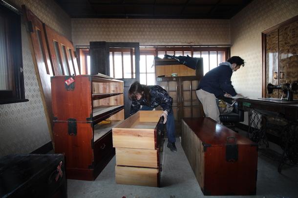 建物から引き継いだ家具たち