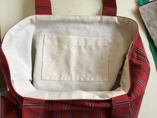 会津木綿トートバック内側のポケットは全国大会過去の事前課題と同じダブルステッチ