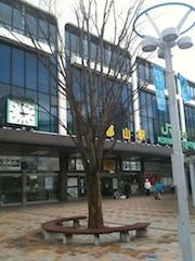 ↑この写真は、3月21日の早朝の郡山駅です。