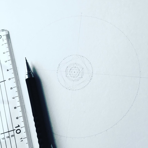 デザイン描き始め
