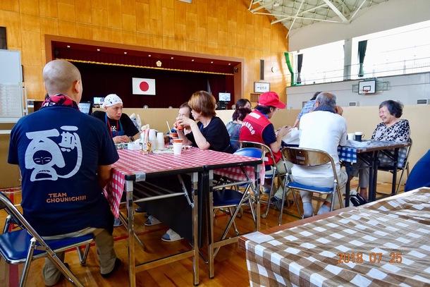 愛媛県西予市野村町避難所での「ほっとサロン」の様子:2018年7月25日撮影