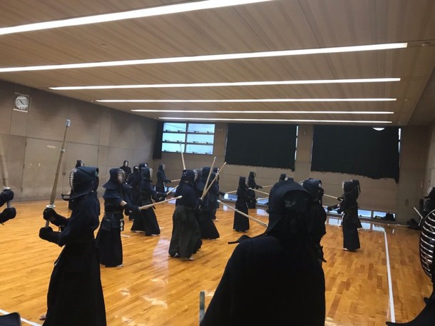 首都大学東京武道場での稽古風景