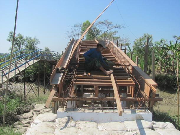 カンター村の橋梁施工