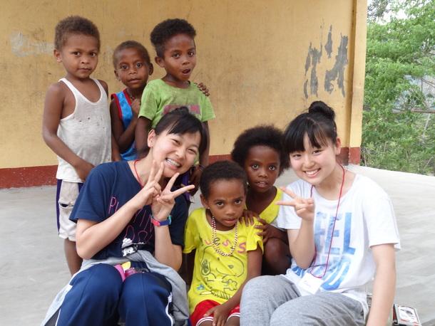 子ども達と集合写真