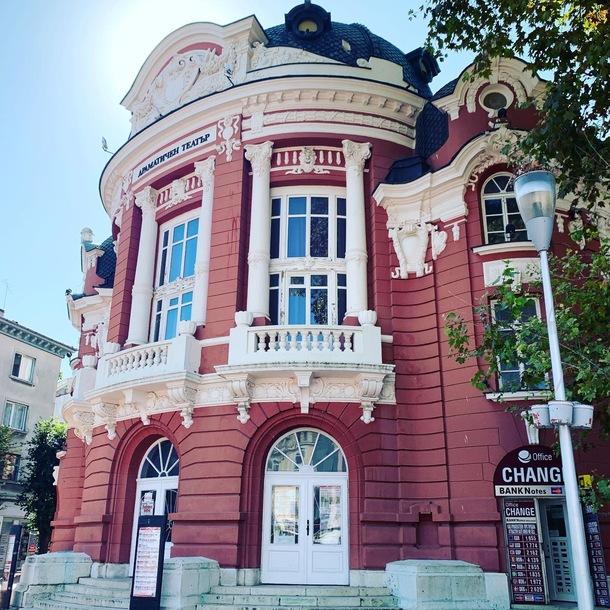 ヴァルナ国立歌劇場