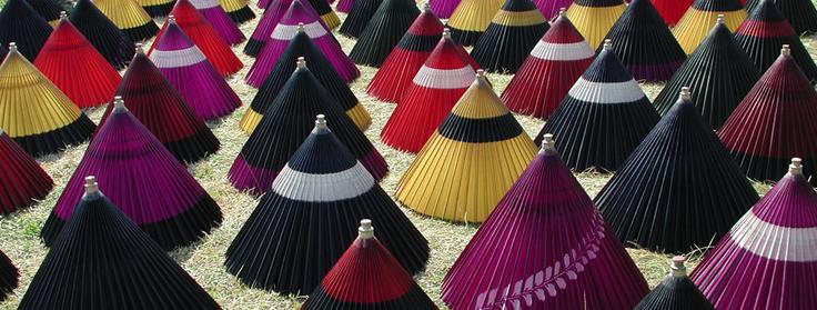 岐阜市加納地区で見られた昭和の傘干しの風景
