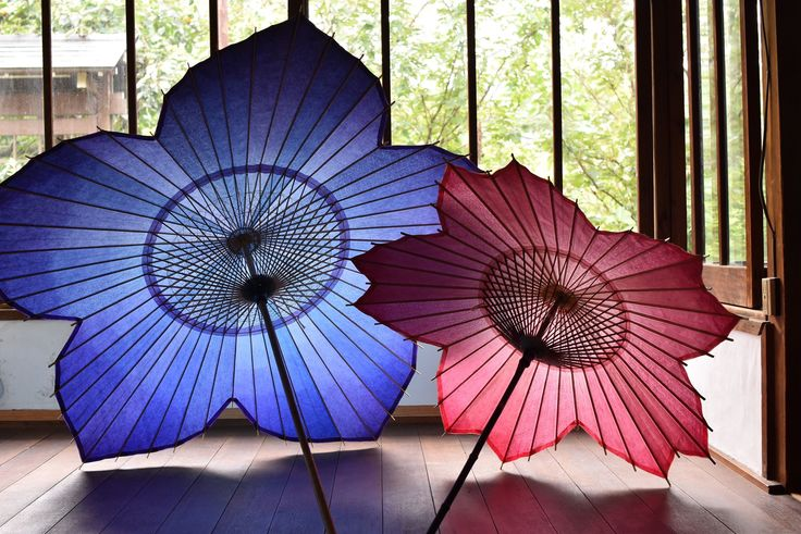sns上で話題となった『桜和傘』『桔梗和傘』(仐日和 製作)