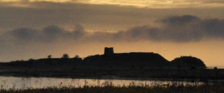 夕空に浮かぶカロー城跡