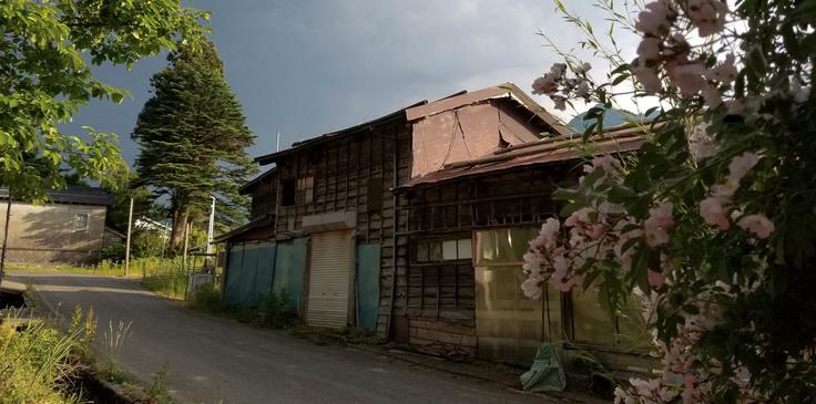 アダマ・ファームの納屋