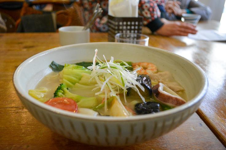 ゴロゴロ野菜や地元産牡蠣入「花清水の鳥羽ちゃんぽん」