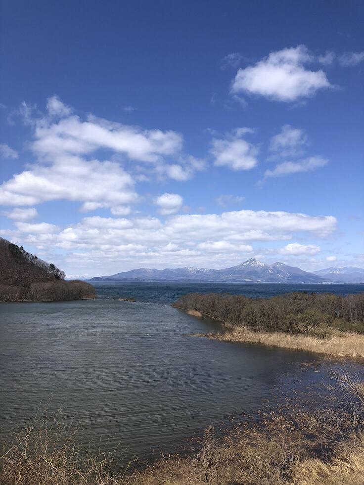 猪苗代湖 湖南・鬼沼より磐梯山を望む