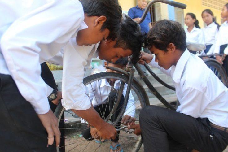 自転車修理の技術を磨く