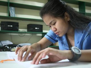 障害者の可能性を閉ざさない フィリピンたった1つの盲学校の挑戦