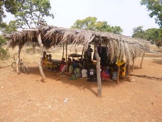 最貧地域の国ブルキナファソに安心して勉強できる教室を建設!