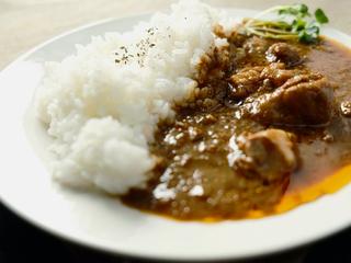 栄養満点の京野菜&深いコクが広がる京赤地どりのカレー缶を発売