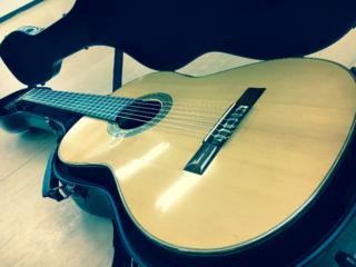 フラメンコギターを大分県へ。無料貸出用ギター20本購入したい