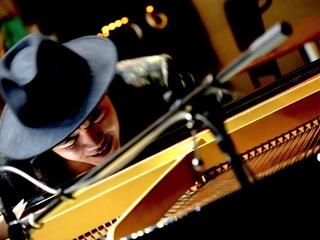 夢は気高きピアノの学校! 世界5大陸ツアーを実現させたい!