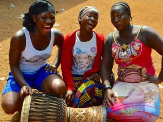 ギニアの伝統楽器演奏家、舞踊家を目指す若者たちを支援したい!