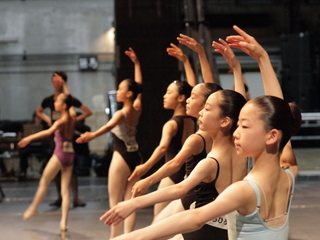 ジュニア世代の優秀なバレエダンサーを世界レベルのプロに!