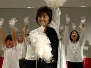 乳ガンで悲しむ人を減らす為の歌声を多くの人に届けたい!