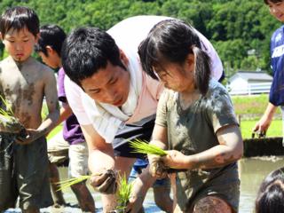 家族で田植えと稲刈りを!お米の大切さや美味しさを教えたい!