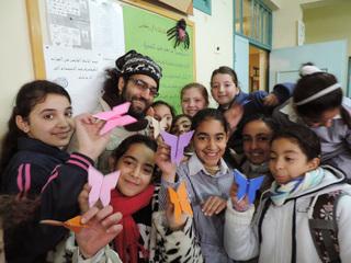 パレスチナに折り紙を広めるために折り紙教本を出版したい!