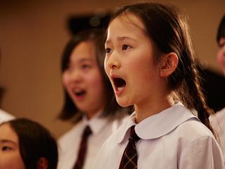 『未来へ繋ぐ合唱団』の声を感謝の想いを込めて英国に届ける!
