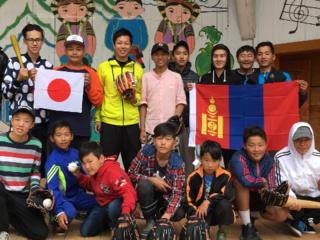 子どもたちに笑顔を!第二弾モンゴルで野球教室開催!