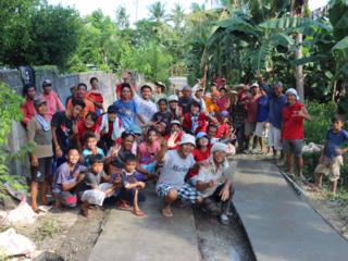 フィリピン レイテ島の村人と一緒に、安全な道を作りたい!