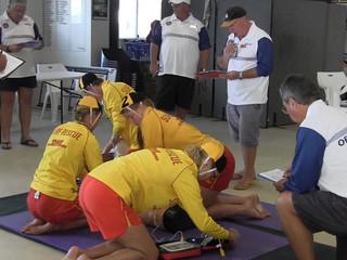日本初!ライフセーバーによる救助技術を競う大会を開催します