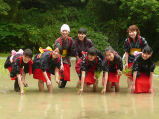 伝統衣装で豊かな自然を守る孟子不動谷の田植えを知って欲しい!