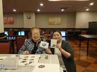 余生に一筆の活力を。おばあちゃん達の水墨画で広がる笑顔の輪