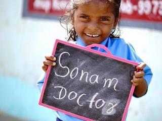 親も教育を知らないインドの子ども達のため、無償の学校継続へ!