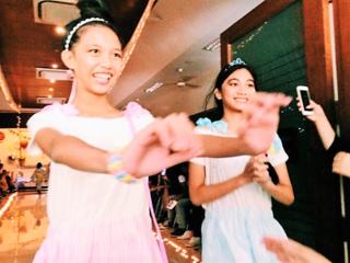 フィリピンの子どもたちと「夢」を描くファッションショー開催!