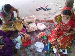 伝統的な女性の手仕事を日本に広めてインドの伝統・文化を守る!