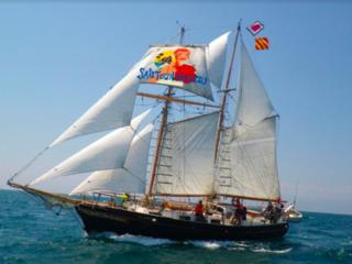 小さなスクーナーで韓国〜ロシア日本海を翔ける帆船レースに参加