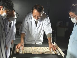半世紀にわたる歴博の挑戦!正倉院に残された古代の文書を後世へ