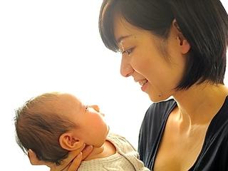 母の育児不安を解消する子育て支援webサービスやイベントを!