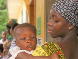 ガーナの妊産婦を守る!命を運ぶオート三輪で緊急産科ケア実現へ