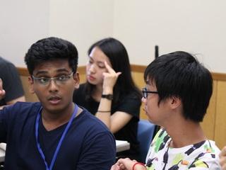 目指せ、グローバルリーダー。50カ国の学生と本気で議論したい!